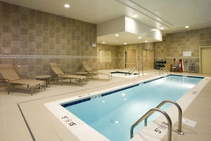 Pool | Hilton Garden Inn Arlington Shirlington