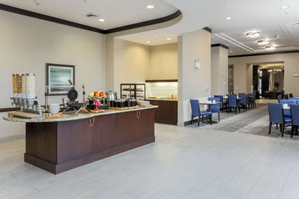 Restaurant | Hilton Garden Inn Arlington Shirlington