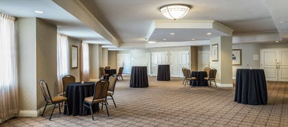 Meeting Room | Hilton Alexandria Old Town
