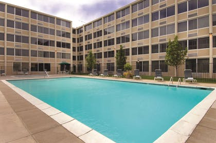 Pool | DoubleTree by Hilton Hotel Denver - Stapleton North