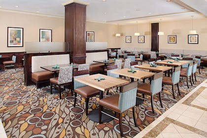 Restaurant | Hilton Garden Inn Denver Tech Center