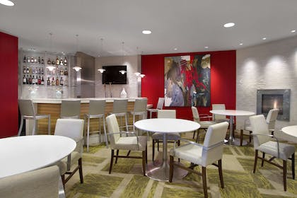 BarLounge | Embassy Suites by Hilton Detroit Metro Airport