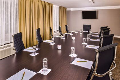 Meeting Room | Hilton Garden Inn Detroit - Southfield, MI