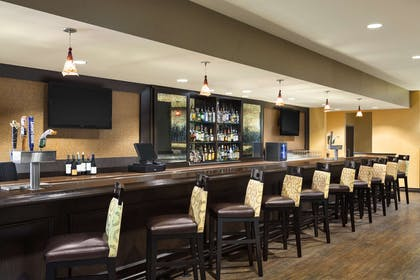 BarLounge | DoubleTree by Hilton Hotel Dallas - DFW Airport North