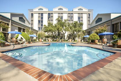 Pool | DoubleTree by Hilton Hotel Dallas - DFW Airport North