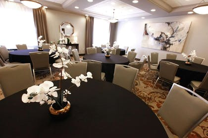 Meeting Room   DoubleTree by Hilton Hotel Des Moines Airport