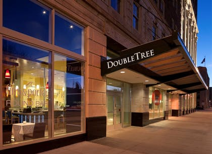 Exterior | DoubleTree Suites by Hilton Detroit Downtown - Fort Shelby