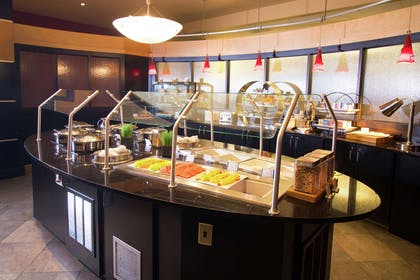 Breakfast Area | DoubleTree Suites by Hilton Detroit Downtown - Fort Shelby