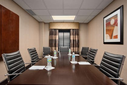 Meeting Room | Hampton Inn & Suites Detroit / Airport - Romulus
