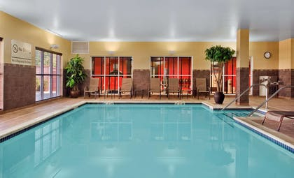 Pool | Hampton Inn & Suites Detroit / Airport - Romulus