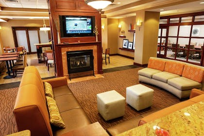 Lobby | Hampton Inn Easton