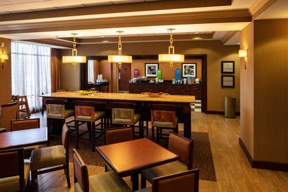 Breakfast Area | Hampton Inn Easton