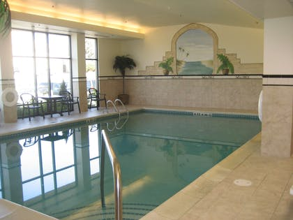 Pool | Hampton Inn Easton