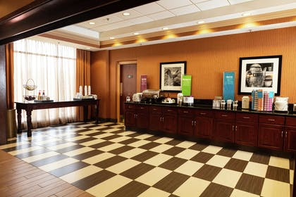 Restaurant | Hampton Inn Easton