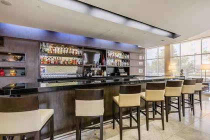 BarLounge | Embassy Suites by Hilton Newark Airport