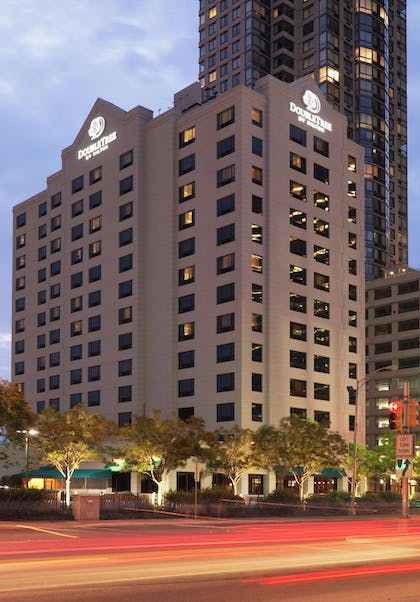Exterior | DoubleTree by Hilton Hotel & Suites Jersey City