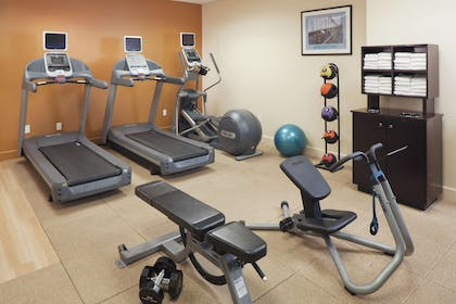 Health club | DoubleTree by Hilton Hotel & Suites Jersey City