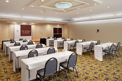 Meeting Room | Doubletree by Hilton Hotel Fayetteville
