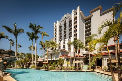 Pool   Embassy Suites by Hilton Fort Lauderdale 17th Street