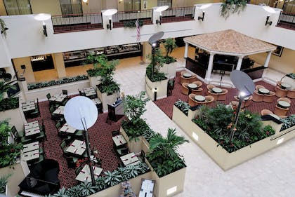 Restaurant | Embassy Suites by Hilton Fort Myers Estero