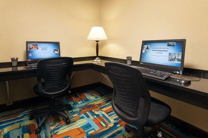 Business Center | Hampton Inn Loveland