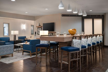 Breakfast Area | Hampton Inn Loveland
