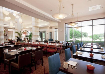 Restaurant | Hilton Garden Inn Fort Worth/Fossil Creek