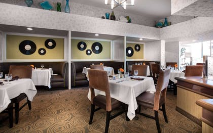 Restaurant | Hilton Galveston Island Resort