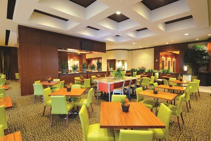 Restaurant | Embassy Suites by Hilton Houston Downtown