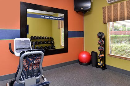 Health club | Hampton Inn Houston Deer Park Ship Area
