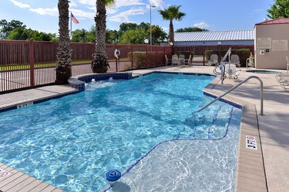 Pool | Hampton Inn Houston Deer Park Ship Area