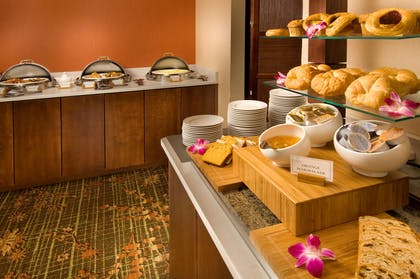 Breakfast Area | DoubleTree by Hilton Sterling - Dulles Airport