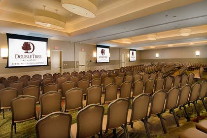 Meeting Room | DoubleTree by Hilton Sterling - Dulles Airport