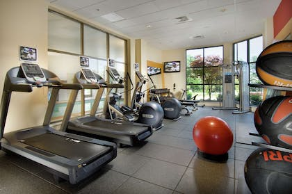 Health club | DoubleTree by Hilton Sterling - Dulles Airport