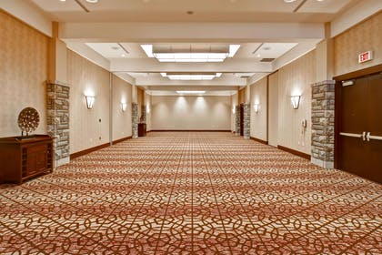 Meeting Room | DoubleTree Fallsview Resort & Spa by Hilton - Niagara Falls