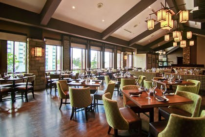 Restaurant | DoubleTree Fallsview Resort & Spa by Hilton - Niagara Falls
