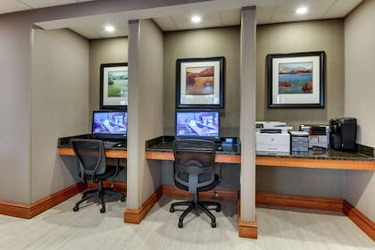 Business Center | Hampton Inn Indianapolis/Carmel