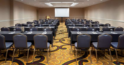 Meeting Room | Hilton Indianapolis Hotel & Suites