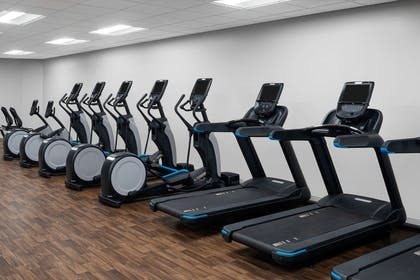 Health club fitness center gym | Hilton Indianapolis Hotel & Suites