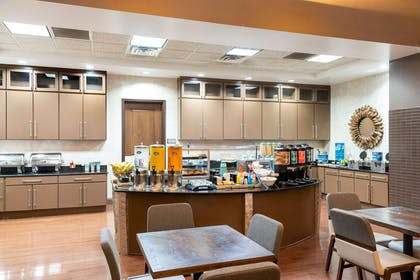 Breakfast Area | Homewood Suites by Hilton Indianapolis-Downtown