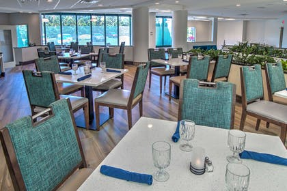 Restaurant | Embassy Suites by Hilton Indianapolis North