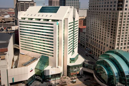 Exterior | Embassy Suites Indianapolis Downtown
