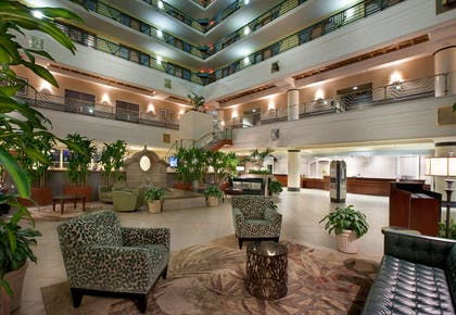 Lobby | Embassy Suites Indianapolis Downtown