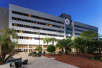 Exterior | DoubleTree by Hilton Hotel Jacksonville Airport