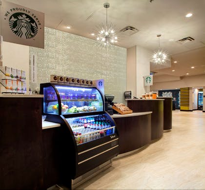 Restaurant | DoubleTree by Hilton Hotel Jacksonville Airport