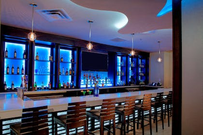 BarLounge | DoubleTree by Hilton Hotel Jacksonville Airport