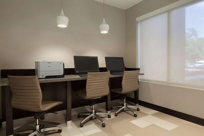 Business Center | Embassy Suites by Hilton Jacksonville Baymeadows