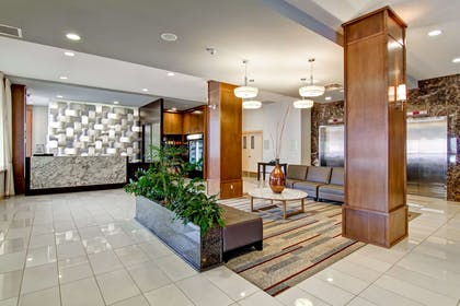 Lobby | DoubleTree by Hilton Hotel Kamloops