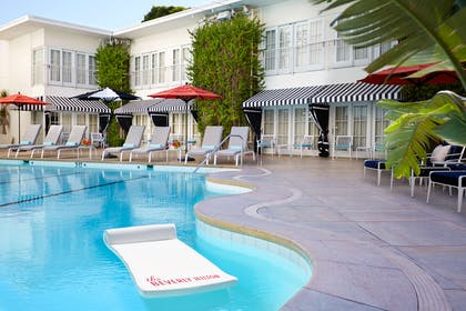 Pool | The Beverly Hilton