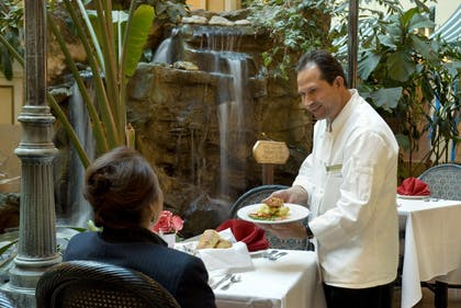 Restaurant | Embassy Suites by Hilton, Los Angeles - Downey